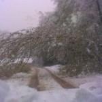 FOTO: Snijeg blokirao put prema Meškovićima