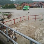 Gribaja poplavila tojšićku pijacu (FOTO)