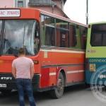 FOTO: Sudarila se dva autobusa u centru Kalesije