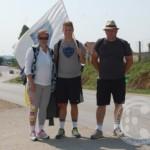 Troje Dobojlija iz svog grada pješice krenulo ka Srebrenici