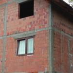 """Udruženje """"Korak"""" iz  Kalesije za Bajram porodici Bošnjaković poklonilo kuću"""