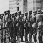 Njemacke-trupe-ispred-vijescnice-u-Sarajevu-600