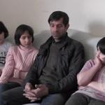 Ramiz Hamidović sa tri djevojčice jedva sastavlja kraj s krajem