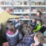 I u Kalesiji obilježen 21. mart – Svjetski dan poezije: Druženje pjesnika Zejćira Hasića sa osnovcima