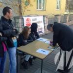 FOTO-VIDEO: Počelo potpisivanje peticije za uklanjanje kafane iz školskog dvorišta
