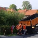 Asfaltiranje puteva u Memićima i Zatesu: Potpisan sporazum općine Kalesija i Federalnog mistarstva raseljenih osoba i izbjeglica