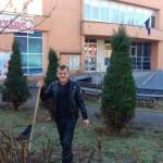 Humorista Ibro Tubić – Cicko u centru Kalesije zasadio jorgovane