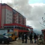 """U centru Kalesije gorjela zgrada """"Piemonte"""": Požar ugašen, niko nije nastradao"""