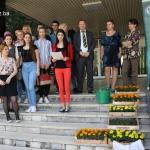 """Volonterski centar Univerziteta u Tuzli i Ekološki savez """"Eko-zeleni"""" Tuzlanskog kantona uspješno realizirali ekološku akciju sadnje cvijeća"""