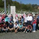 Učenici OŠ Tojšići posjetili Potočare i Srebrenicu
