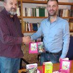 Suad Bešlić poklonio knjige Biblioteci, sutra predavanje srednjoškolcima