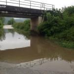 Zbog visokog vodostaja, obustavljeno saobraćanje prema Jelovom Brdu i Gojčinu