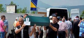 Klanjana 19. kolektivna dženaza Zvorničanima: U kabure spušteni tabuti devet nedužnih civila