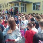 Svečani ispraćaj maturanata OŠ Kalesija, Lejla Sinanović učenica generacije
