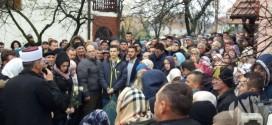 Oca i majku Muhameda Mešanovića sanitetom dovezli na dženazu sina jedinca