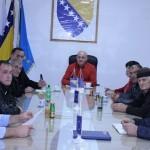 Predstavnici Vijeća MZ Rainci Gornji i Građevinski odbor za izgradnju vodovoda Meškovići kod načelnika