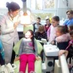"""Učenici OŠ """"Kalesija"""" u posjeti stomatologu"""
