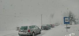 Snijeg već pravi probleme u odvijanju saobraćaja
